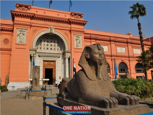Full-Day Private Tour to Giza Pyramids, Sphinx, Egyptian Museum and Khan El-Khalili Bazaar